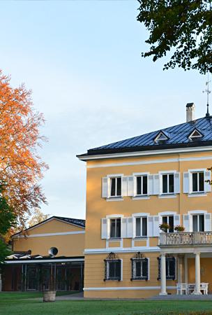 Akademie im Herbst