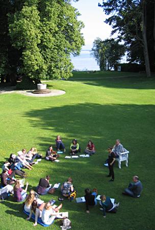 Gesprächsrunde im Park